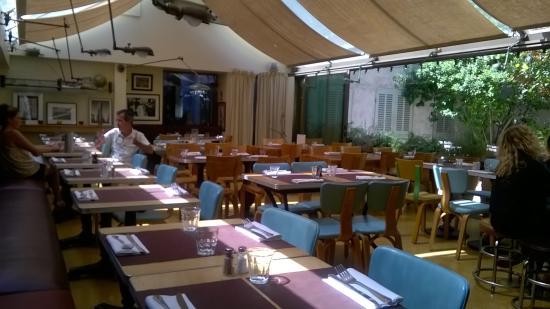 Café Populaire : Sala