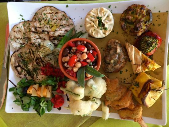 Bagnone, Itália: antipasto vegetariano