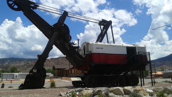 Frontier Homestead State Park Museum : Gigantic Digger