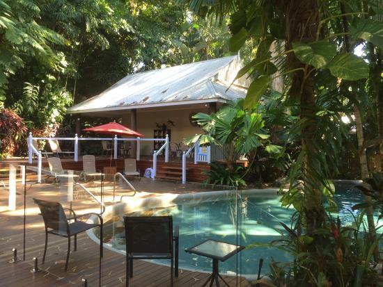 Palm Cove Tropic Apartments: photo1.jpg