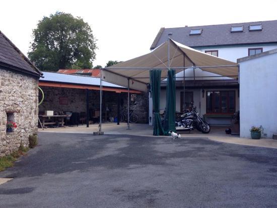 Loughnane's Hostel