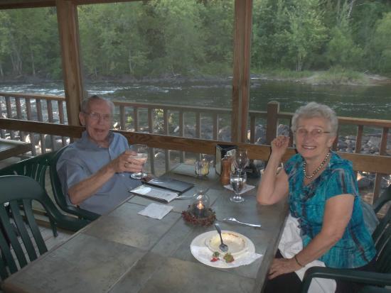 Warrensburg, estado de Nueva York: After a wonderful dinner at the Grist Mill.