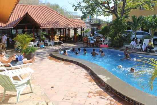 Hotel Gran Oceano: Pool fun