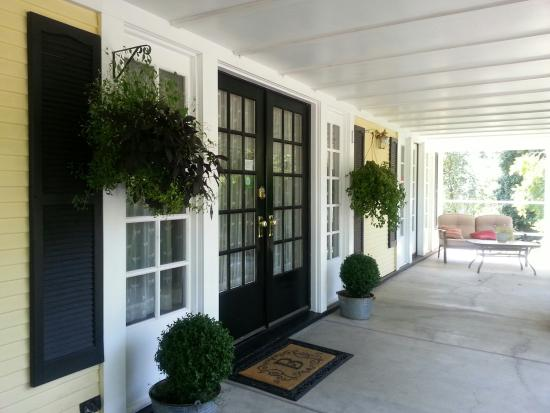Bayberry Inn: The front entrance & a lovely place to sit and read and enjoy the morning sunshine.