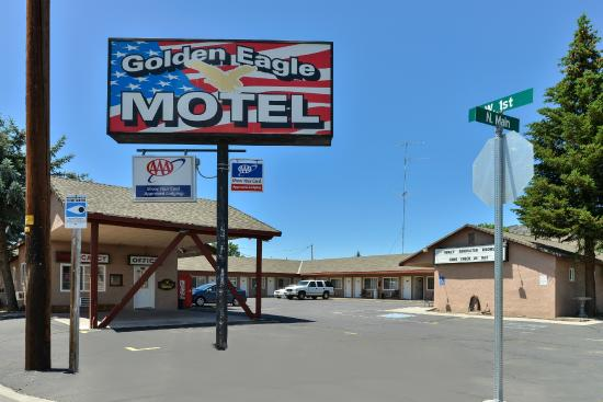 Golden Eagle Motel