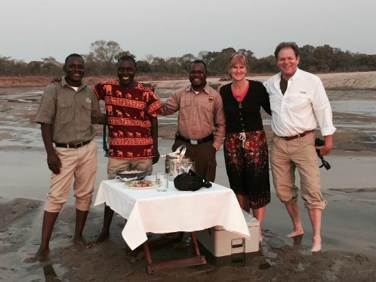 Chindeni Bushcamp - The Bushcamp Company: Amazing Staff for sunset dinner at Zungulila