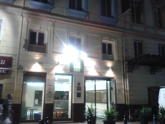 Hotel Carre Vieux Port Marseille: 6 rue beauvau