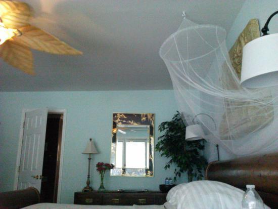 Treasure Island Bed & Breakfast: The Anniversary Suite.