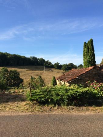 Villeferry, France : Рядом с отелем