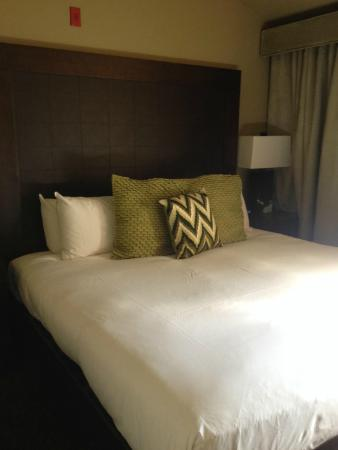 Hotel Terra Jackson Hole, A Noble House Resort: Great night's sleep on this bed.