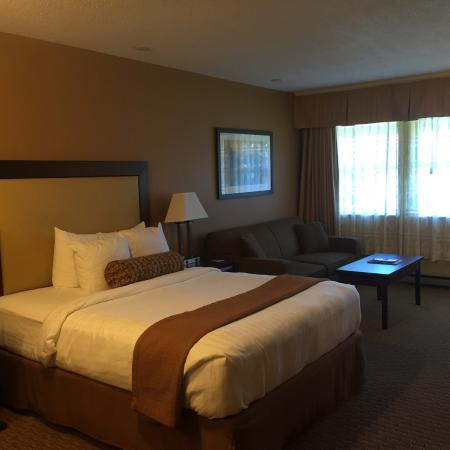 Best Western Plus Emerald Isle Hotel: Modern and clean