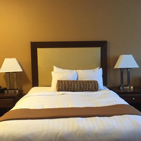 Best Western Plus Emerald Isle Hotel: Modern and clean