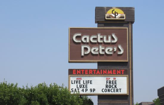 Cactus Petes Resort Casino: Cactus Pete's Casino, Jackpot, Nevada