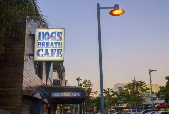 Hog's Breath Cafe: Front of shop
