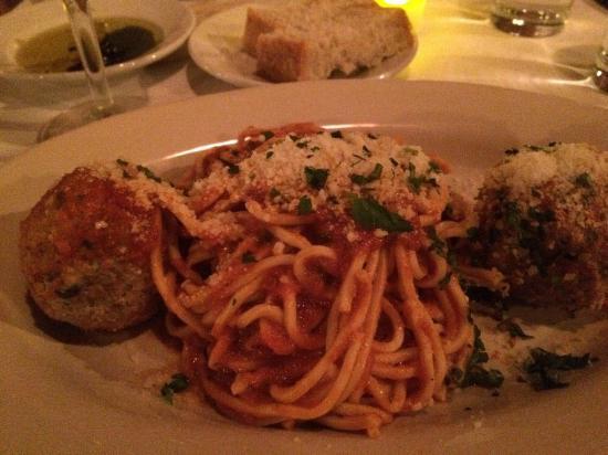 al Vento: Crunchy spaghetti...not al dente, crunchy.