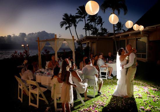 Royal Lahaina Resort Wedding On The Lawn