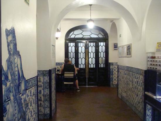 salones comedores - Picture of Pasteis de Belem, Lisbon ...
