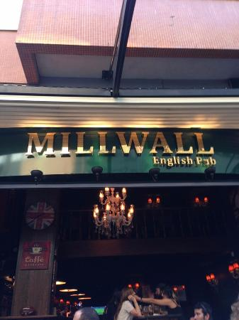 Millwall English Pub