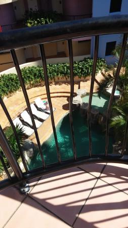 Nautilus Mooloolaba: Pool from balcony