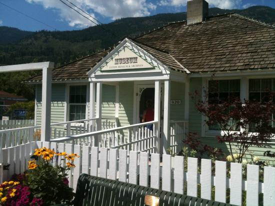 Lytton Visitor Information Centre & Chamber Office