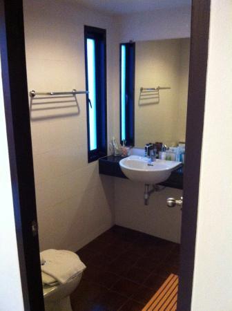 G.House: Room 405 Standard