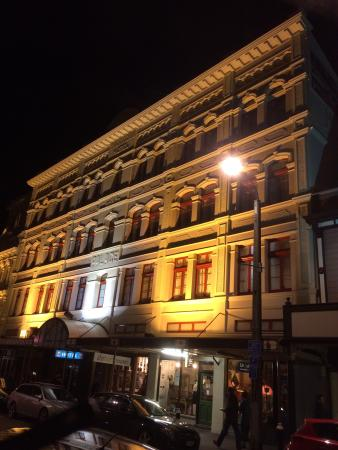 Quality Hotel Wellington : Beautiful hotel by day and by night