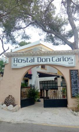 Don Carlos Paguera : Hoteleingang und die Bar zu sehen