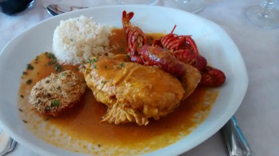 Lozere, Frankrig: Délicieux poulet aux écrevisses