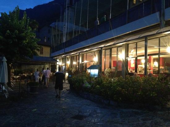 Lido di Sala Comacina: restaurant