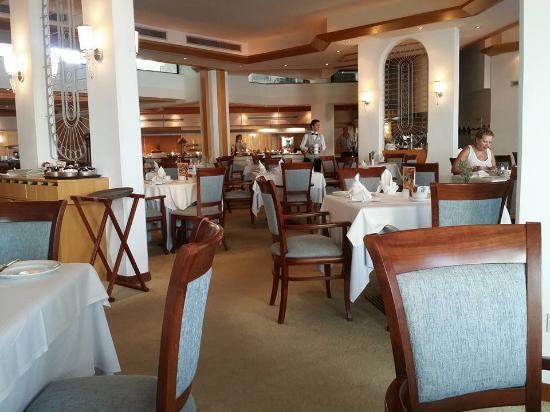 Constantinou Bros Asimina Suites Hotel: restaurant