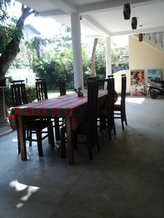 Sea Breeze Guest House: reataurants