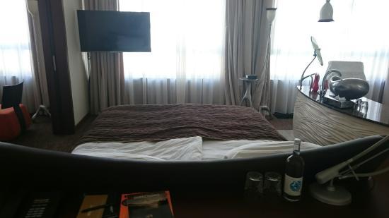 Hotel Hamburg Dusche Im Zimmer : Zimmer 122 - Bild von east Design ...