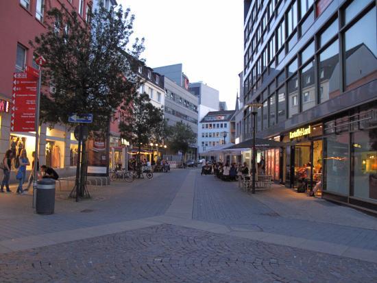 Foto di a o dortmund hauptbahnhof dortmund for Dortmund bahnhof hotel