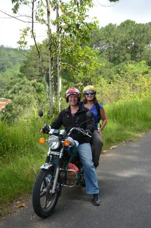 Easy Rider Club - Dalat Daily Tours: On the road :)