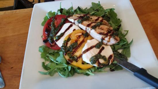 Crozet, VA: Chicken Caprese Salad