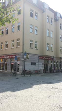 Cafe Lutetia