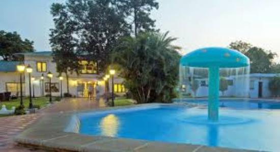 Sathyam Grand Resorts : swimming pool