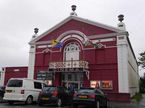 Magic Lantern Cinema Tywyn: Exterior of the Magic Lantern Cinema, Twywn