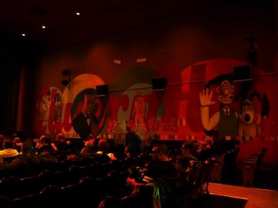 Magic Lantern Cinema Tywyn: One wall of murals