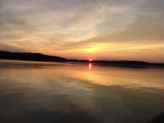 Elberton, Τζόρτζια: Sunset over Lake Russell