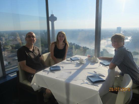 Hilton Niagara Falls Fallsview Hotel Suites Watermark Restaurant Breakfast