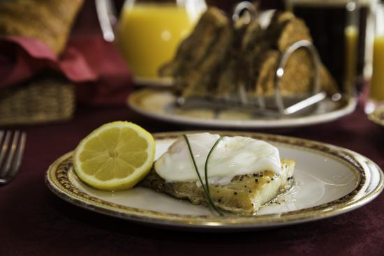 The Collingdale: Local Natural Smoked Haddock & poached egg (house special)