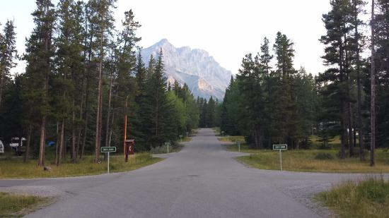 Rv Camping In Style In Banff Review Of Tunnel Mountain