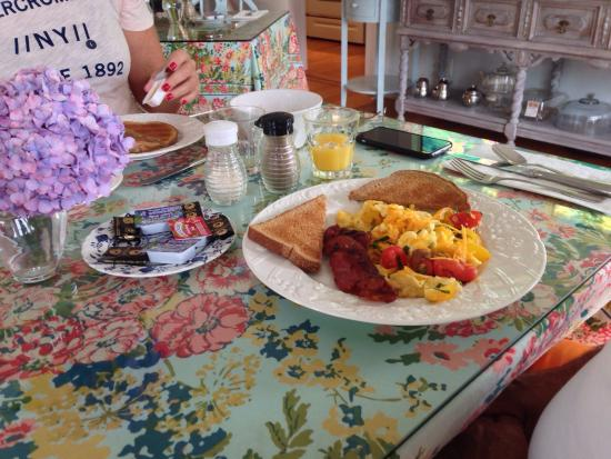 An English Garden Bed and Breakfast : Colazione