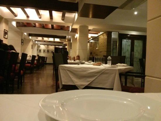 Oh! Calcutta : Interiors