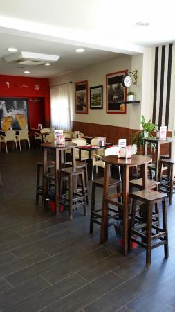 Restaurante La Ponderosa En Gines Con Cocina Otras Cocinas