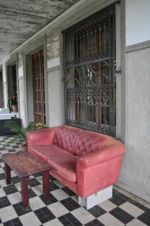 Chambres d'Hotes Apostrophe: Le patio