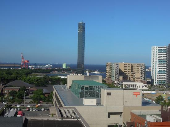 Okura Chiba Hotel : view from our room to the bayside