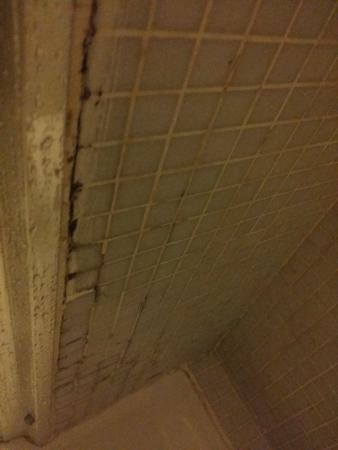 WRH Trastevere: Etat de la salle de bains intérieur