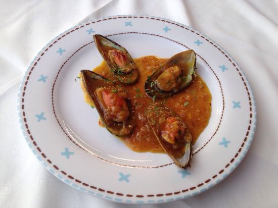 La Piazza, Restaurant - Pizzeria: Mussels
